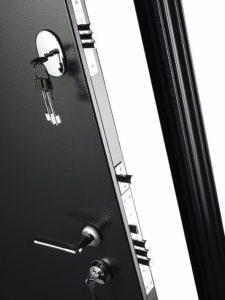Дверь входная металлическая Меги 573 левая 2050х870 мм снаружи металл Серебро на черном внутри МДФ 0447 С Венге