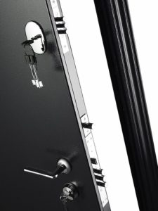 Дверь входная металлическая Меги 573 левая 2050х870 мм снаружи металл Серебро на черном внутри МДФ 0543 С Беленый дуб